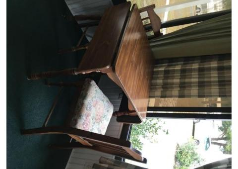 Small Drop-leaf Kitchen Table with 2 Chairs